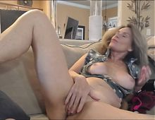 MATURE BLONDE WEBCAM