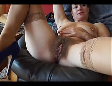 Girls Out ost - germany girl fingers her hairy beaver