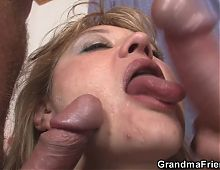 Picked up hot mommy gives double head and rides