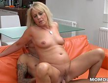 Mature babe Jane Nelle loves cock riding