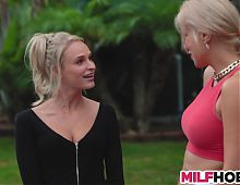 Unforgettable lessons from busty blonde Mom