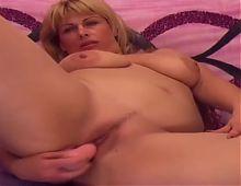 Mature blonde cam play