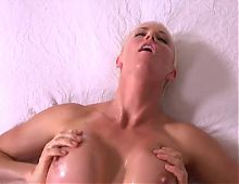 Short blonde haired Hot Milf fuck-session