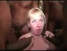 gangbang blonde mature par blacks