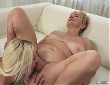 Granny and young lesbian, licking pussy and ass