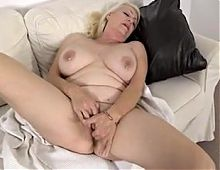 Mature blonde masturbating