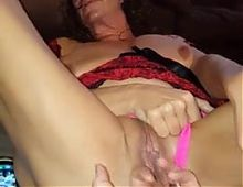Amateur GILF pussy fingered
